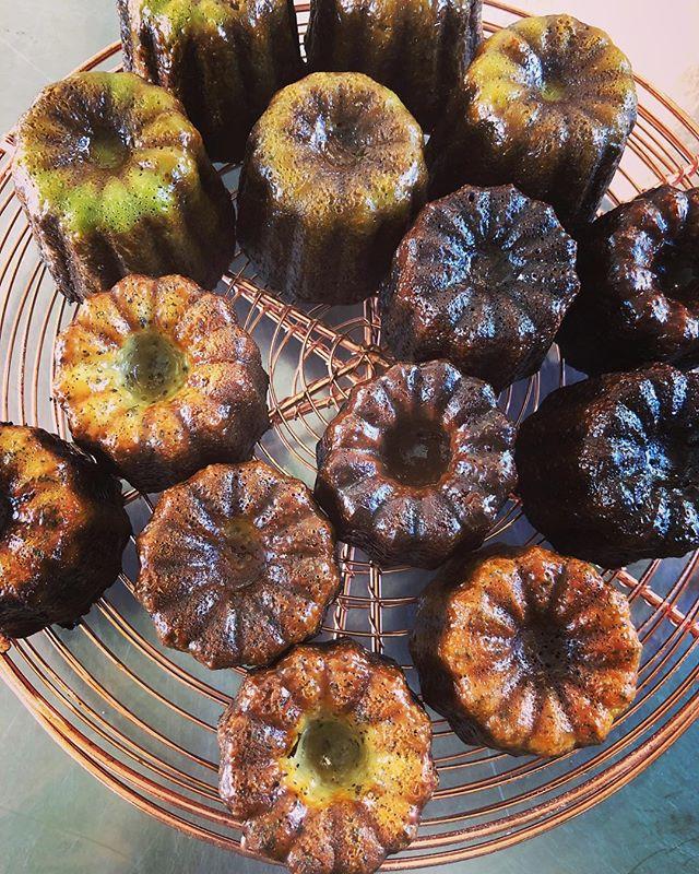 12/14〜15名谷ココイロに委託出店します!お近くにお越しの際はぜひお立ち寄りくださいませ。#カヌレ #cannelé de Bordeaux#手作りタルト #タルトが好き #焼き菓子屋 #焼き菓子販売#焼き菓子専門店 #シフォンケーキ#カヌレ #美味しいおやつ#カフェスイーツお気軽にお問い合わせ下さい。@pieces_cookie ◆予約販売のお問い合わせはinstagramのdm、Facebook、LINEから承ります。◆受け渡し希望日より5日前までにご予約下さい。◆受け渡し希望時間は11:30〜18:00まで◆数が多い場合はご相談くださいませ。
