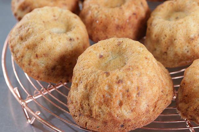 自家製 醤油糀のフィナンシェ塩糀も美味しいけど 醤油糀もおススメ!甘ジョッパイやばいやつです。#醤油糀#自家製糀 #糀のおかし#発酵生活#醤油糀のケーキ#フィナンシェ#焦がしバター#甘じょっぱい#pieces焼き菓子#美味しいおやつ明日はムサシ朝市でお待ちしてます。よろしくお願い申し上げます。