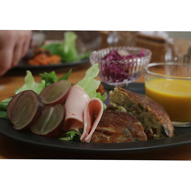 @renryo88 先生のレッスンへ湯種の山食チャパタ美味しいランチ楽しいお話今日もお腹いっぱいです。さっ、今から栗仕事です!#パン教室#パン好き#パンマニア#山食#湯種食パン#食パン #天然酵母#こあん#神戸三ノ宮#美味しいランチ #オシャレ