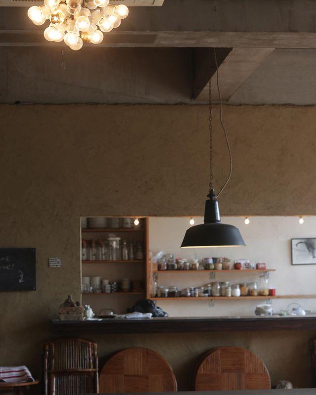 淡路島 カフェノマドさんへ打ち合わせに伺いました!@24ban_cafenomado 〒656-2221 兵庫県淡路市長澤727こちらをお借りして2020/04/04イベントを開催させて頂きます。現在ノマドさんは3月いっぱいまで冬季休暇に入られています。来年の4月4日オープンに合わせてオープンコラボイベントとなります!淡路島の美味しいもの、素敵なもの神戸からも美味しいものや素敵な作家さんが集結!! いまからワクワクが止まりません。ノマドさんの敷地内には桜の木がたくさん開催時には満開を迎えているかも?詳細は追ってお知らせさせて頂きます。4/4はぜひ淡路島へ!! #淡路島#カフェノマド#イベント開催#まんぷく食堂 #コラボイベント